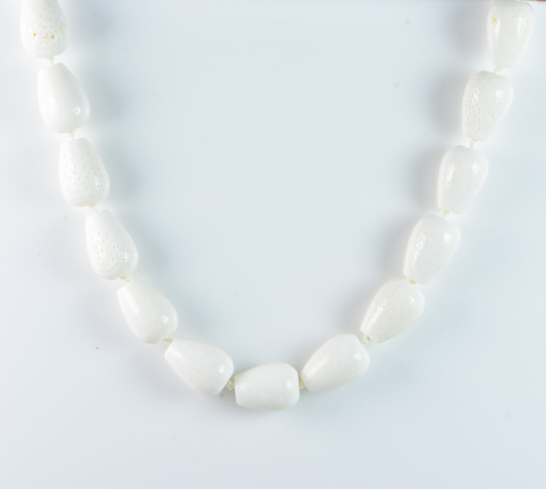 """Semi-Precious Gemstone 20X24mm White Coral Beads 16.5"""" Hand-Knotted Women's Necklace with 100% Silk Thread"""